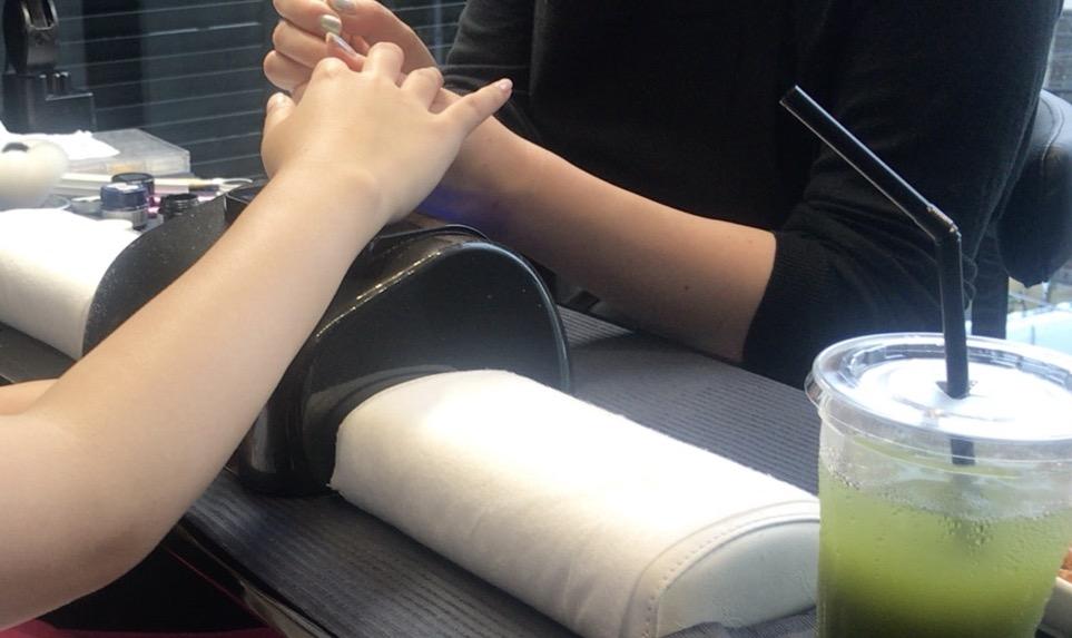 手を綺麗に見せたくてネイルサロンに行ってみた。