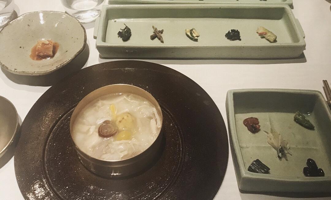 ミシュラン二つ星のオーナーが手掛ける韓国料理店へ